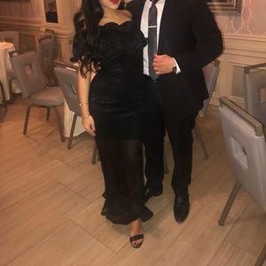 Dresses & Skirts - Black off the shoulder ruffled dress